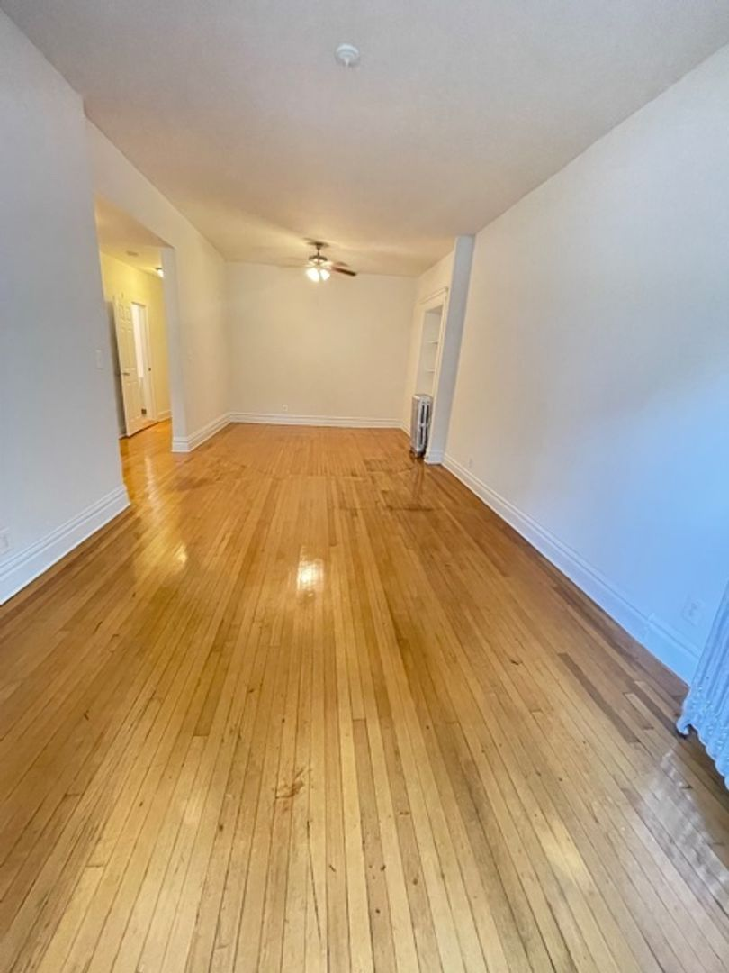 668 West Sheridan Rd., Chicago, IL - 2,060 USD/ month