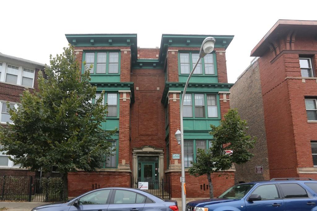4140 North Clarendon, Chicago, IL - 2,100 USD/ month